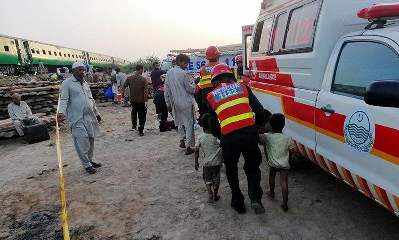 Авария поезда в Пакистане