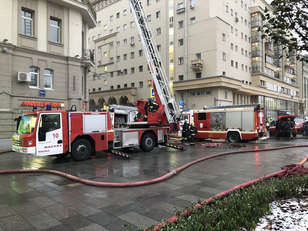 Ликвидация пожара в квартире д. 16/18, стр. 2 на Большой Сухаревской площади