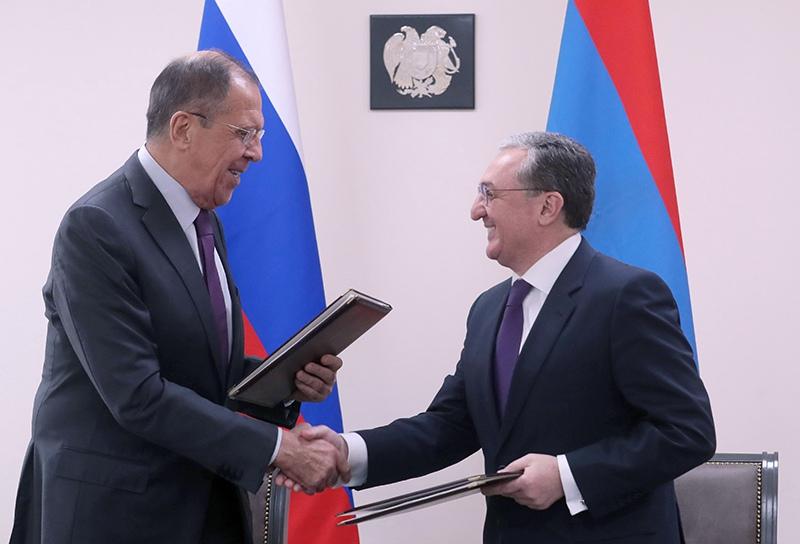 Сергей Лавров и министр иностранных дел Армении Зограб Мнацаканян