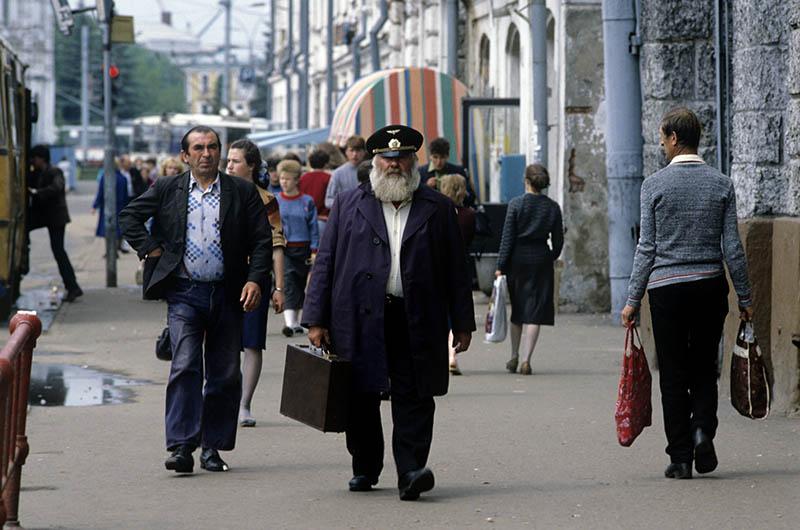 Прохожие в Москве