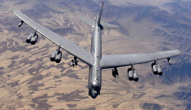 Американский бомбардировщик B-52