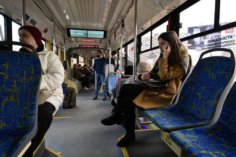 Пассажиры трамвая