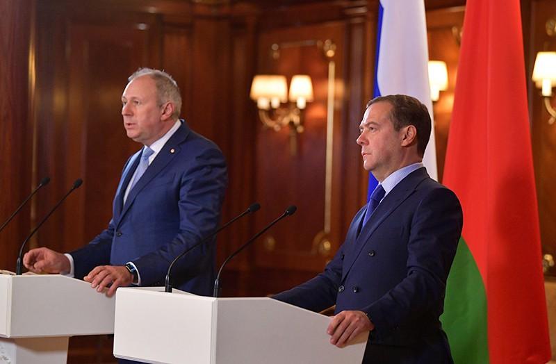 Дмитрий Медведев и премьер-министр Белоруссии Сергей Румас