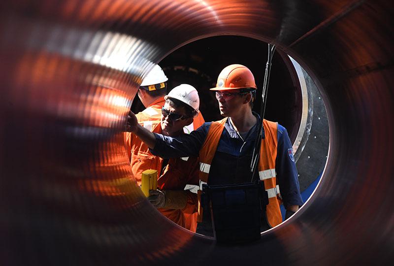 """Рабочие на участке строительства газопровода """"Северный поток-2"""