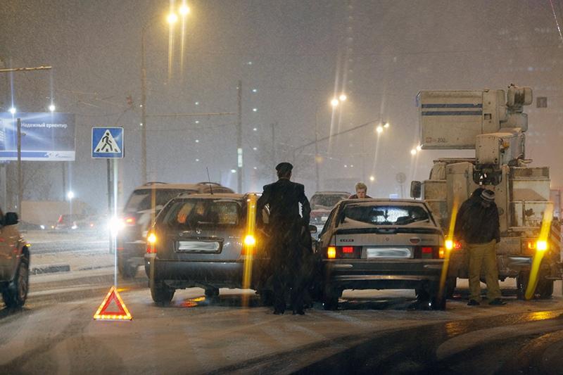 Ледяной дождь вызвал хаос на дорогах Дальнего Востока