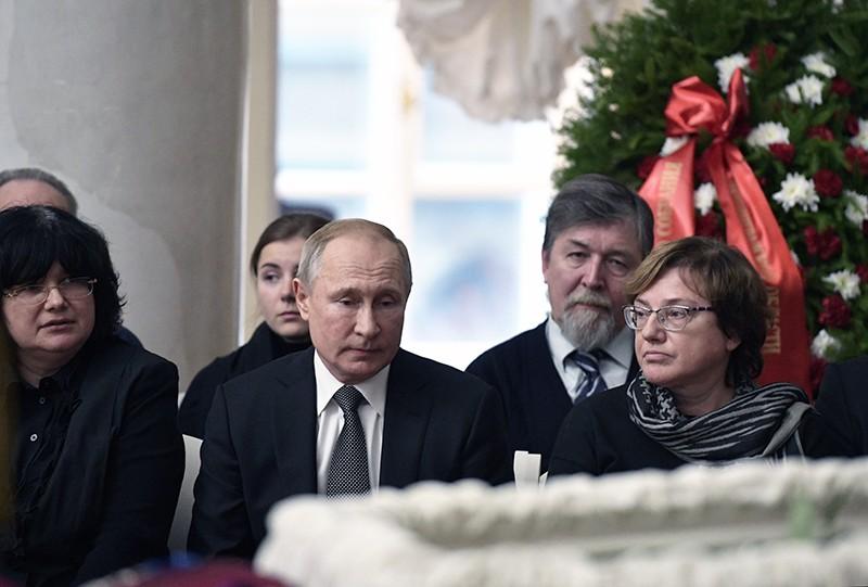 Владимир Путин на церемонии прощания с президентом Санкт-Петербургского государственного университета Людмилой Вербицкой