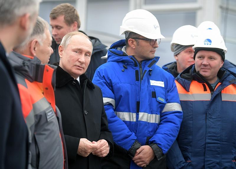 Владимир Путин на церемонии открытия скоростной платной трассы М-11 Москва - Санкт-Петербург