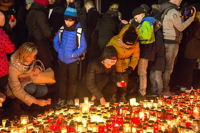 Жители Латвии вспоминают жертв фашизма