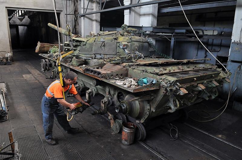 Ремонт и восстановление танков Т-72 на Львовском бронетанковом заводе