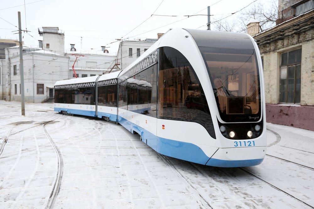 """Новый трехсекционный трамвай """"Витязь-М"""""""