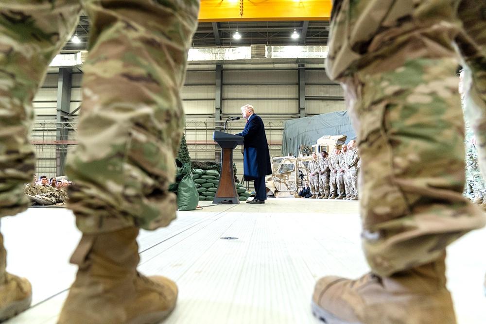 Дональд Трамп и военнослужащие армии США