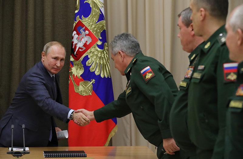 Cовещание с руководством министерства обороны и предприятий ОПК