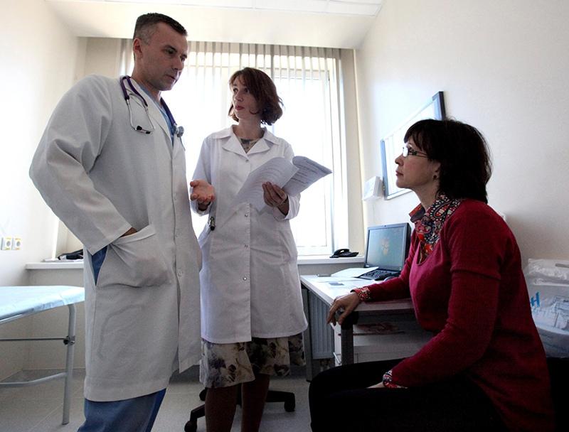 Пациентка на приеме у врача-терапевта