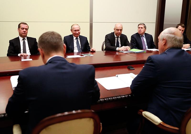 Делегация России встречается с делегацией Лукашенко