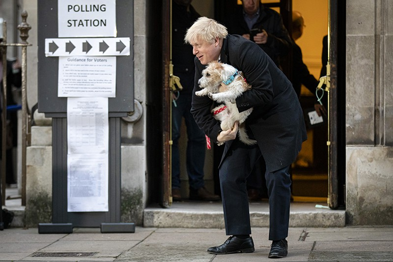 Борис Джонсон с собакой