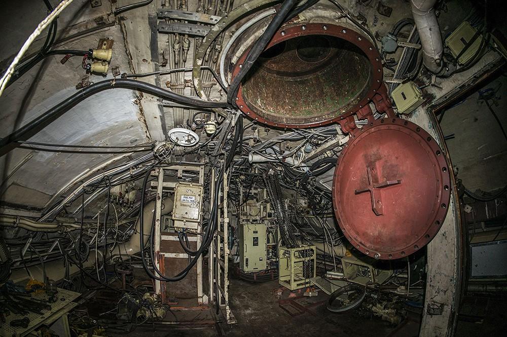 Старая подводная лодка Б-380