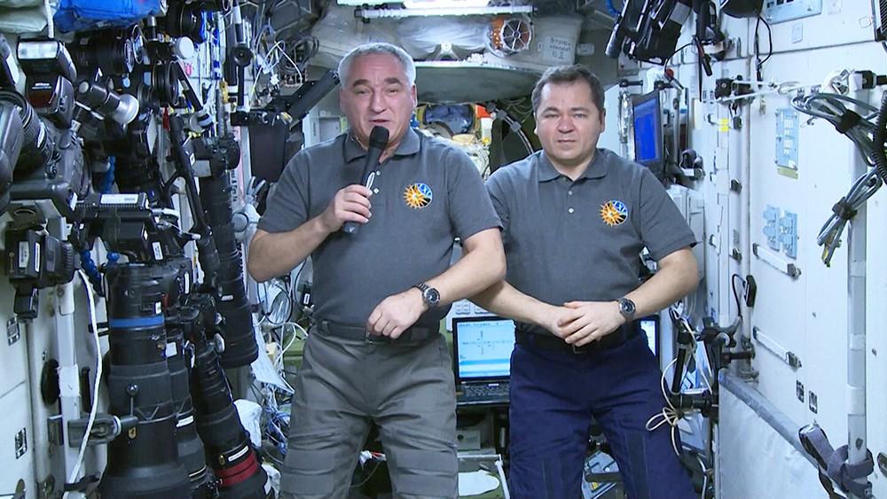 Космонавты Александр Скворцов и Олег Скрипочка