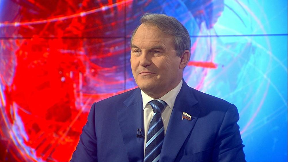 Сенатор Игорь Морозов