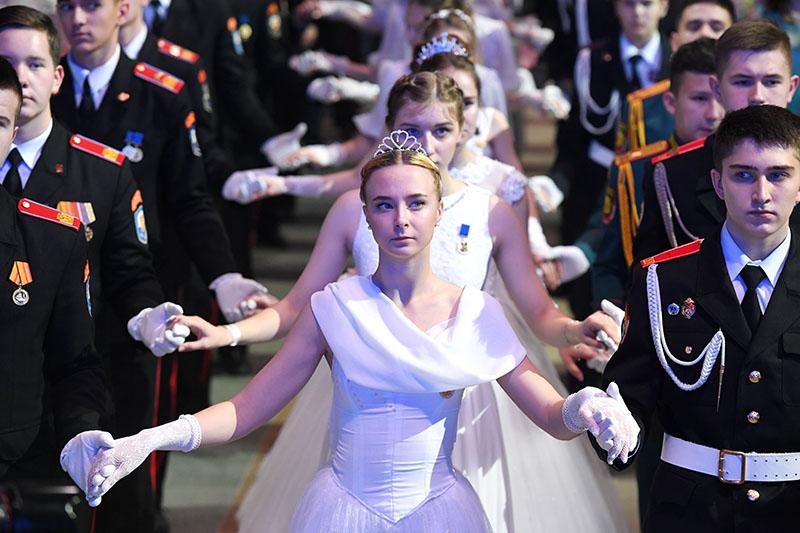 Участники IV Международного благотворительного кадетского бала
