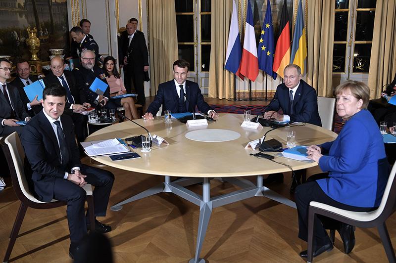 Владимир Путин, Эммануэль Макрон, Ангела Меркель и  Владимир Зеленский