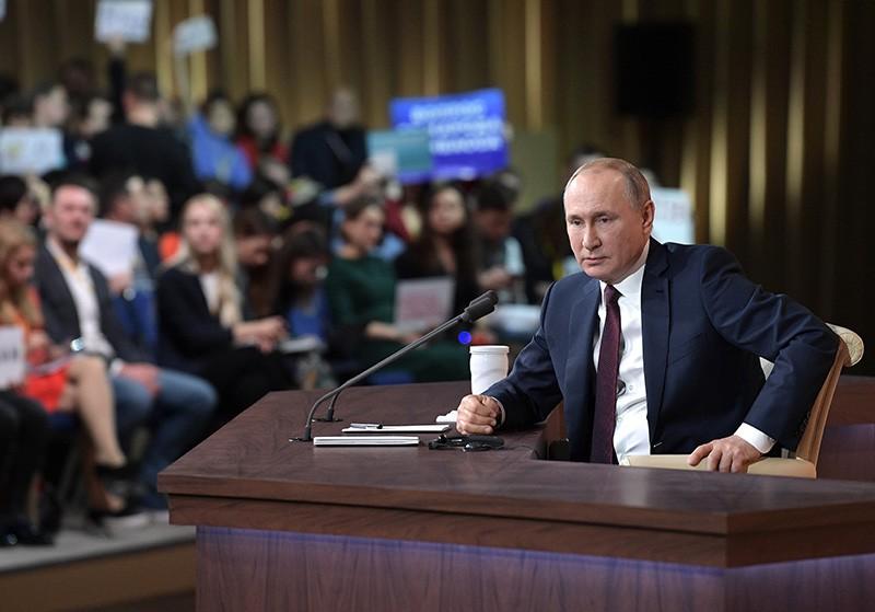 Владимир Путин на большой ежегодной пресс-конференции