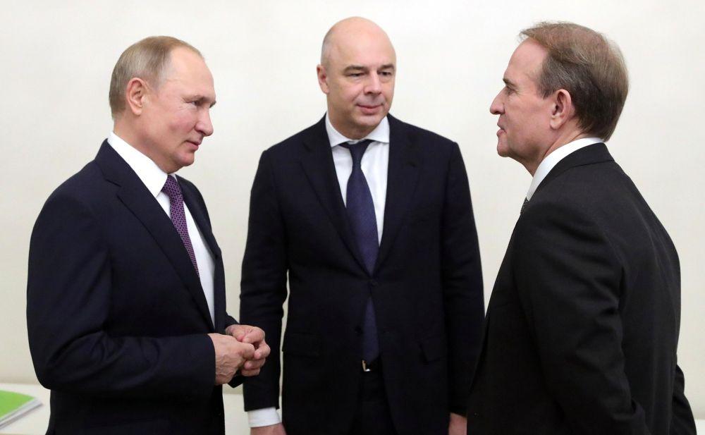 Владимир Путин, Антон Силуанов и Виктор Медведчук (справа)