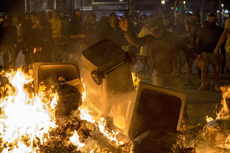 Беспорядки в Барселоне