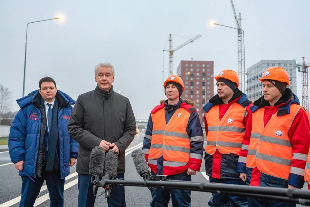 Сергей Собянин и дорожные рабочие