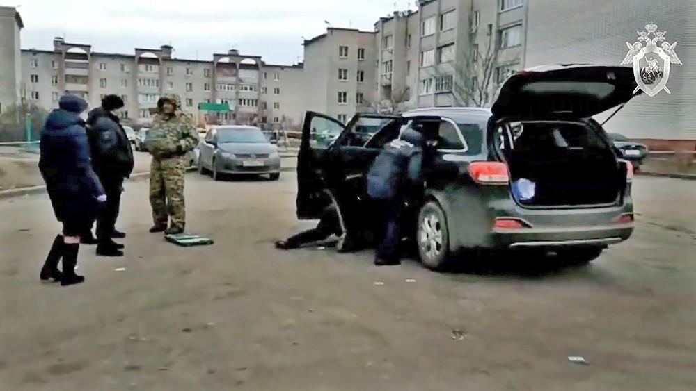 Представители Следственного комитета на места покушения на воронежского чиновника