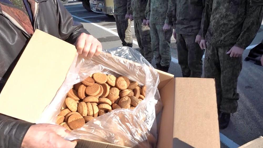 Новогодние подарки для российских военных привезли в Сирию