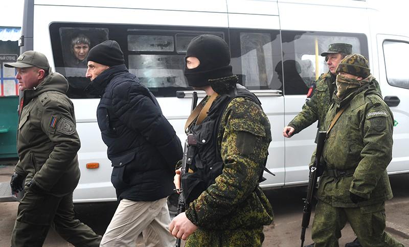 Обмен пленными между ДНР и ЛНР и Киевом