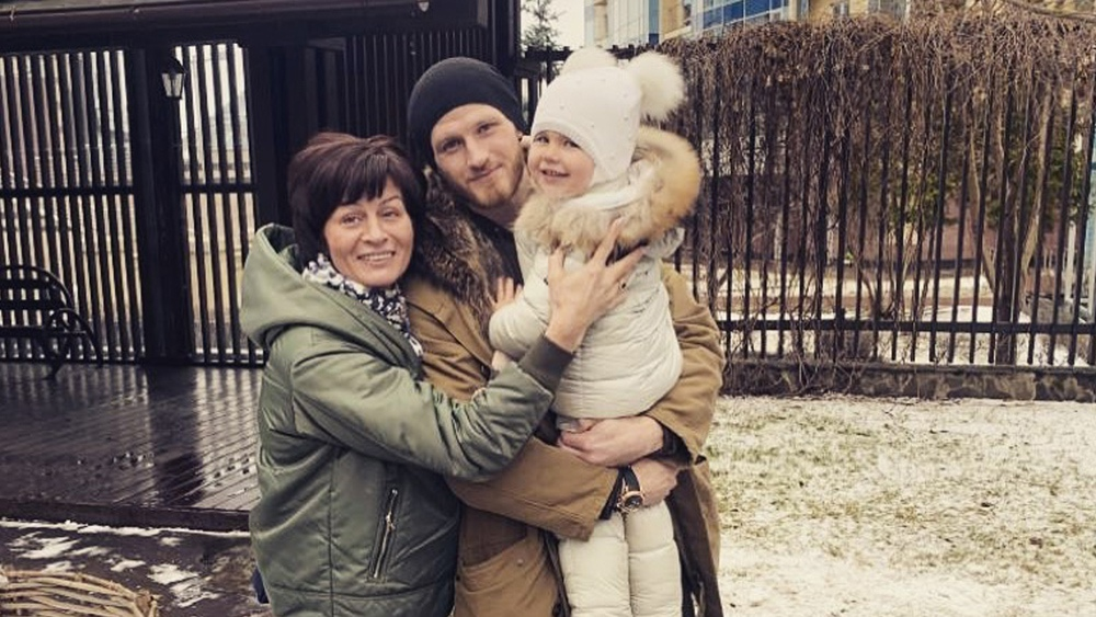 Иван Телегин показал фото улыбающейся дочери Таси