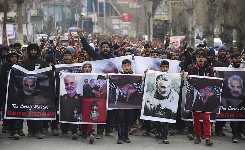 В Багдаде тысячи людей вышли на церемонию прощания с погибшими при атаке США