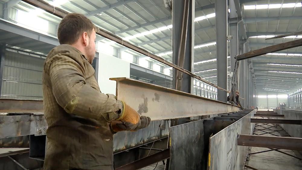 Работа завода в Сирии