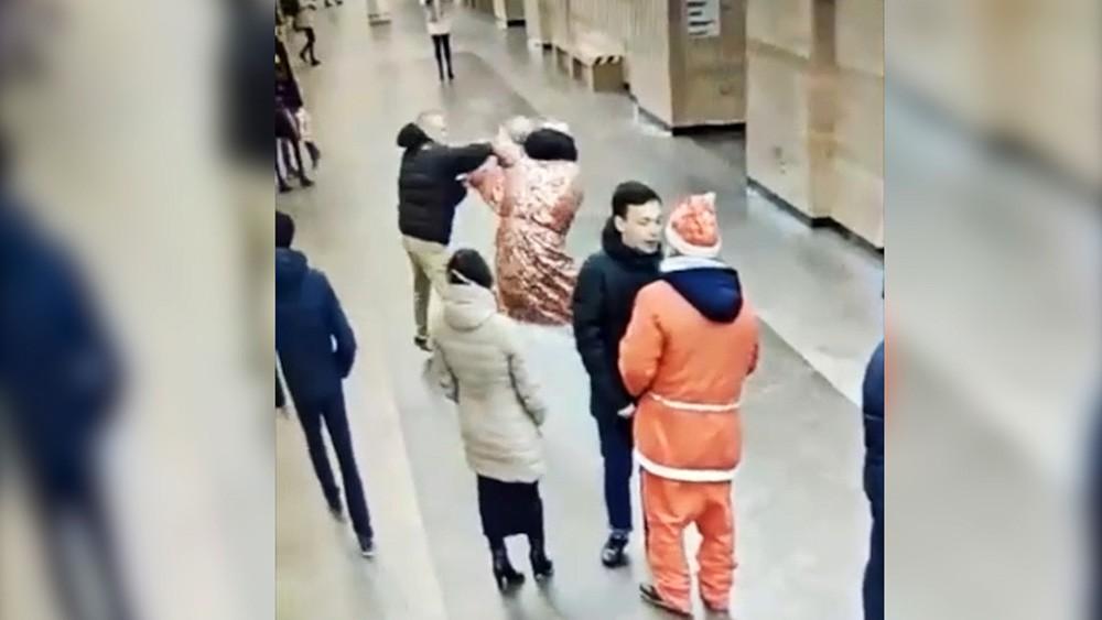 Драка в петербургском метро