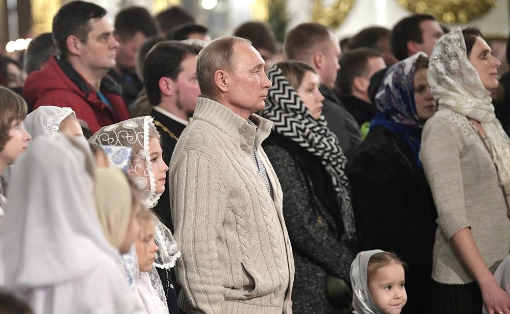 Владимир Путин на Рождественском богослужении