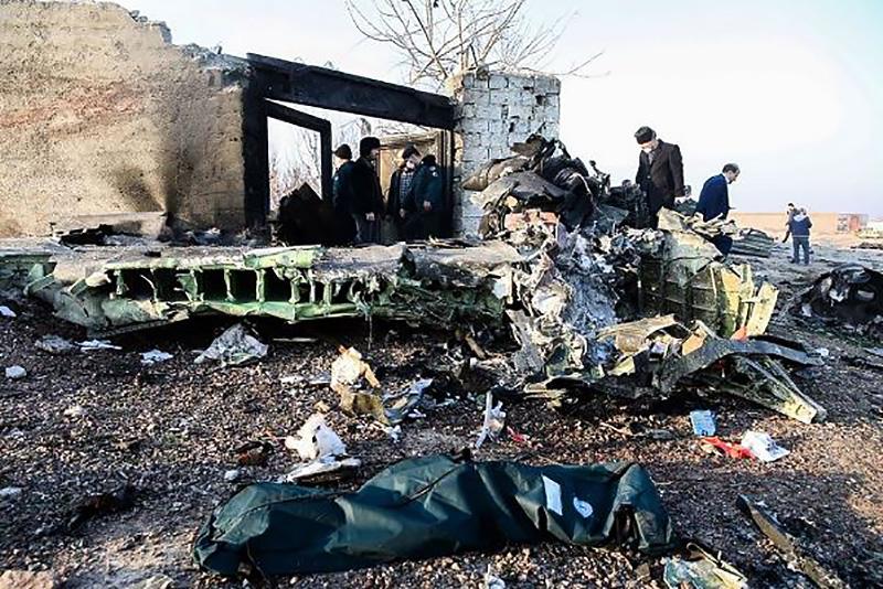 """Место падения самолета Boeing 737 """"Международных авиалиний Украины"""" в Иране"""