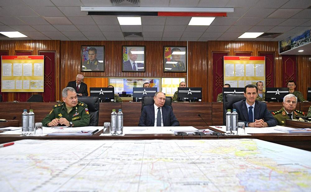 Владимир Путин посетил командный пункт группировки Вооружённых Сил России в Сирии