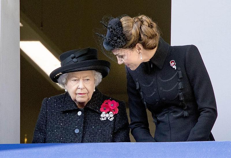 Кейт Миддлтон и Елизавета II