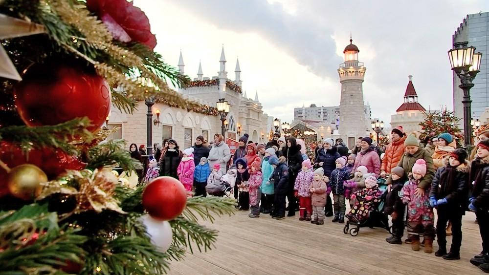 """Посетители фестиваля """"Путешествие в Рождество"""""""