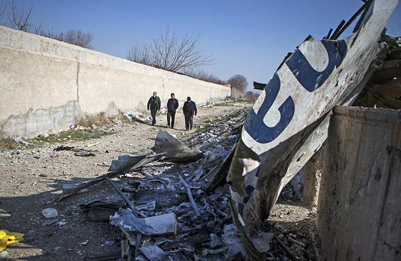 """Место крушения самолета Boeing 737 """"Международных авиалиний Украины"""" в Иране"""