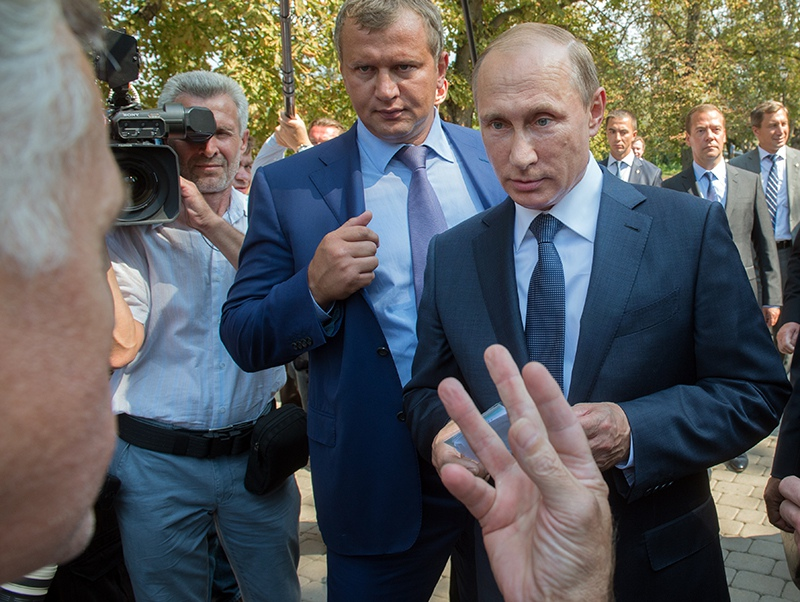 Владимир Путин и жители Крыма