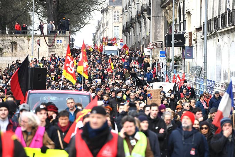 Митинг во Франции