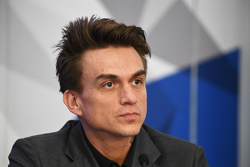 Артист Влад Топалов