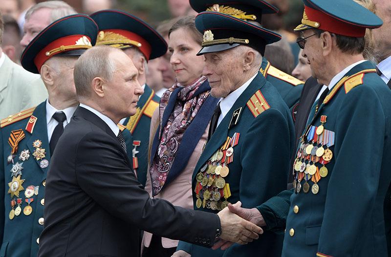 """Путин: """"Мы должны защитить нашу Победу от лжи"""""""