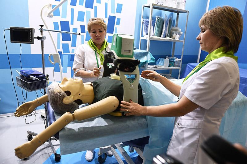 """Оборудование для реанимации пациента на выставке в рамках Ассамблеи """"Здоровая Москва"""""""