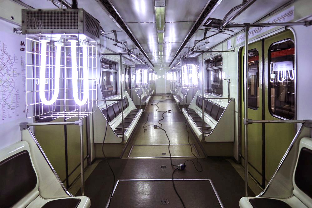 Уборка и дезинфекция вагонов метро