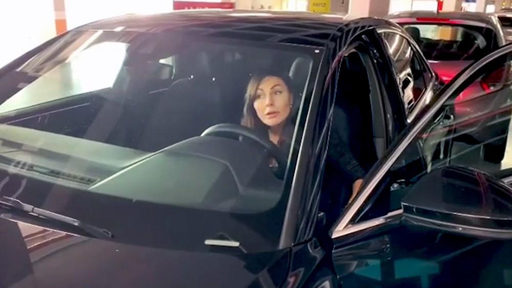 Наталья Бочкарева в машине