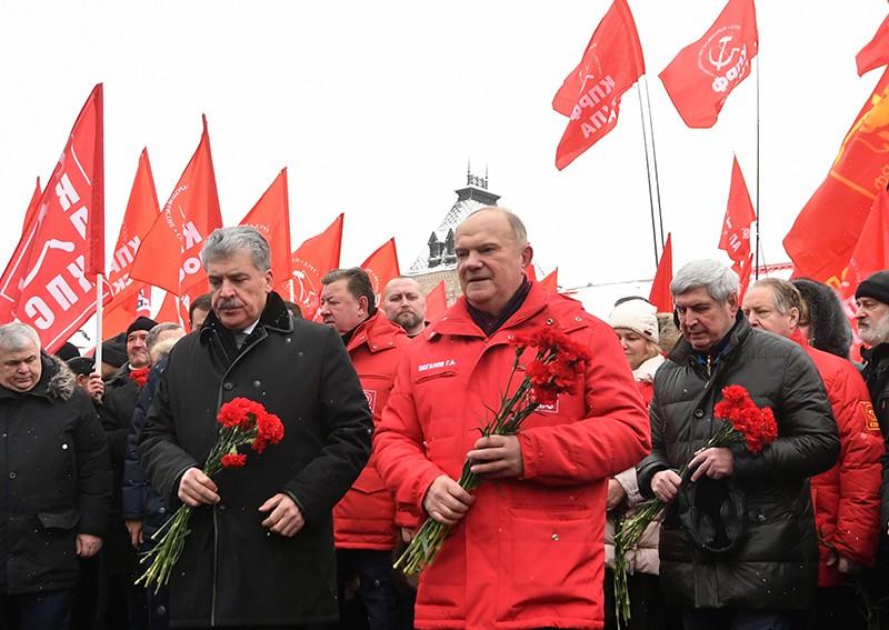 Геннадий Зюганов на церемонии возложения цветов и венков к Мавзолею В.И. Ленина
