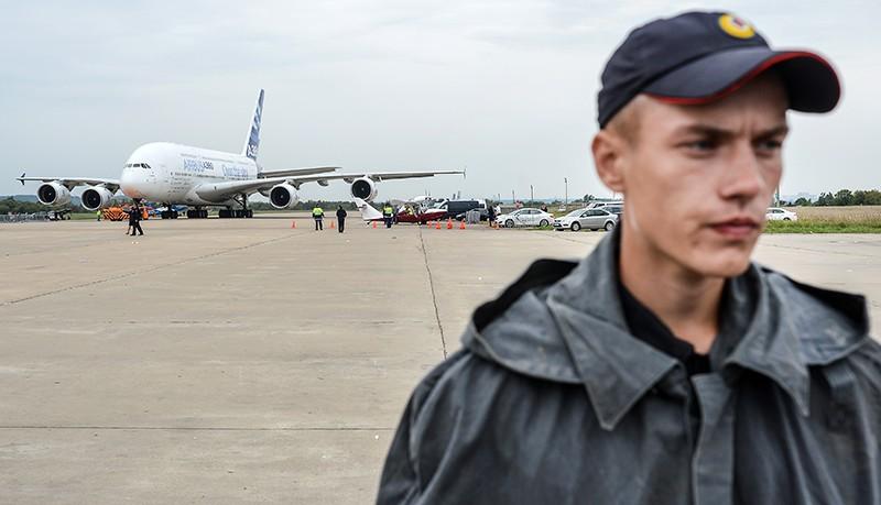 Полиция на аэродроме